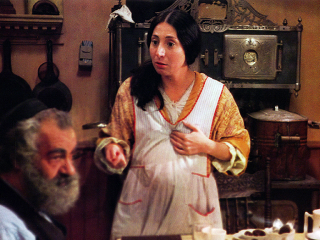 "(L to R) Yossi Yadin as Zaida, Marilyn Lightstone as Annie Herman in ""Lies My Father Told Me"""