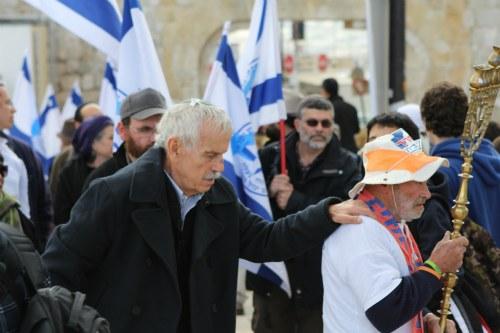 Temple Mount - Gershon Solomon and the Temple Mount Faithful prepare to ascend the Temple Mount