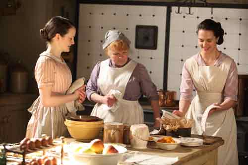Downton Abbey S2E1: Daisy and Mrs. Patmore give Lady Sybil a cooking lesson