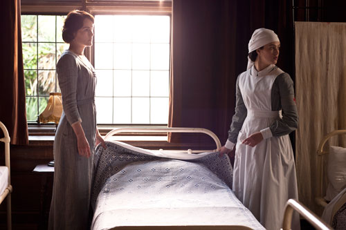 Downton Abbey S2E4: Lady Mary and Lady Sybil prepare for injured Matthew to arrive