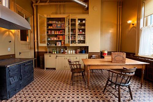 Spadina Museum: Kitchen - Photo: Maciek Lindwski, Courtesy City of Toronto