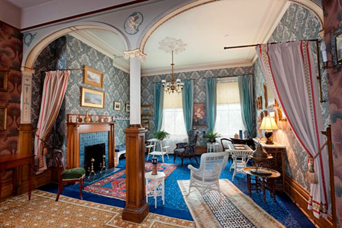 Spadina Museum: Blue Room - Photo: Maciek Lindwski, Courtesy City of Toronto