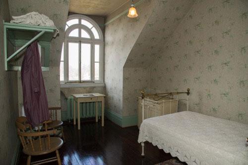 Spadina Museum: Third Floor Servant's Bedroom - Photo: Courtesy City of Toronto