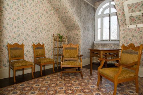Spadina Museum: Third Floor Servants' Sitting Room - Photo: Courtesy City of Toronto