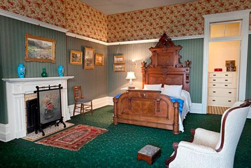 Spadina Museum: Bedroom - Photo: Maciek Lindwski, Courtesy City of Toronto