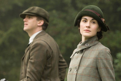 Downton Abbey S2E7: Matthew and Mary take part in the New Year's Day hunt