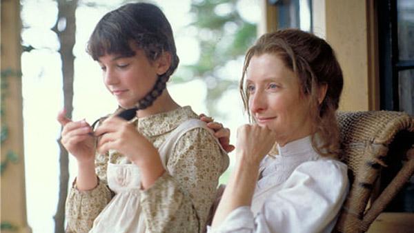 Emily of New Moon: Emily Starr (MARTHA MacISAAC), Laura Murray (SHEILA McCARTHY)