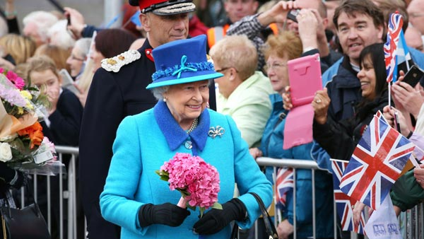 Queen Elizabeth Greets Well-Wishers in Tweedbank, Scotland on the Day She Becomes the UK's Longest Reigning Monarch