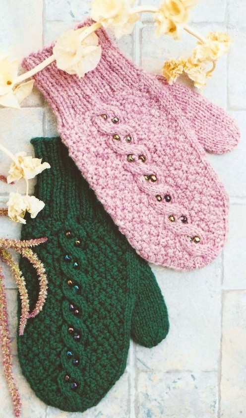 https://d24b8wp6jbsvpy.cloudfront.net/pattern_picture_w496s/1532/129_-_beaded_mittens_-_main.jpg
