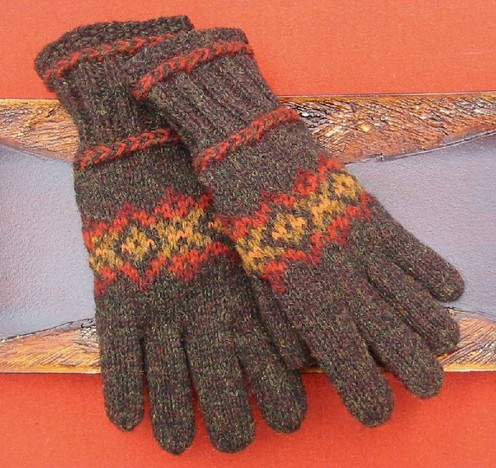 https://d24b8wp6jbsvpy.cloudfront.net/pattern_picture_w496s/1877/Hardwood_Hill_Gloves.pdfmain.jpg