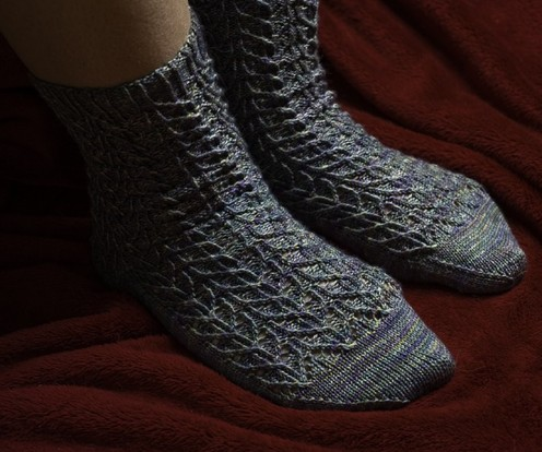 https://d24b8wp6jbsvpy.cloudfront.net/pattern_picture_w496s/51488/Emma_Socks_pdf.pdf-1main.jpg