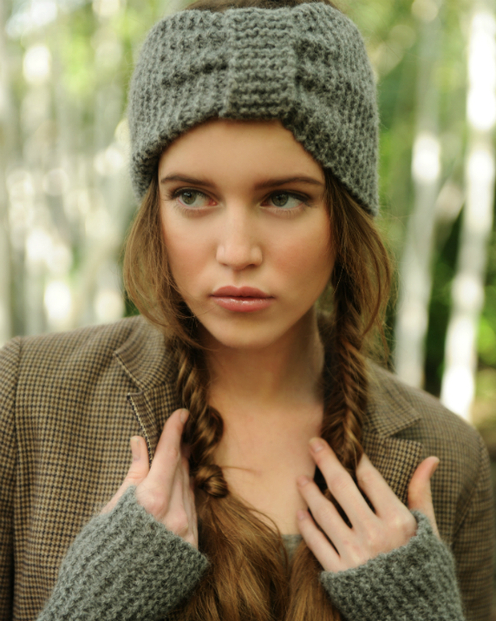 https://d24b8wp6jbsvpy.cloudfront.net/pattern_picture_w496s/93658/misty_headband_and_gauntlets_alpaca_knitwear_.jpg