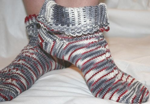 https://d24b8wp6jbsvpy.cloudfront.net/pattern_picture_w496s/96329/d_of_oz_socks_main.jpg