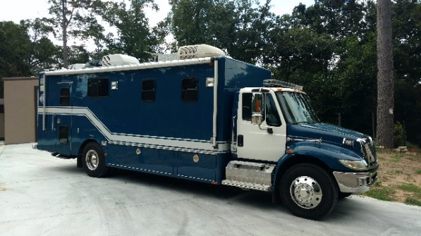 Mobile Command Shelters : Truck