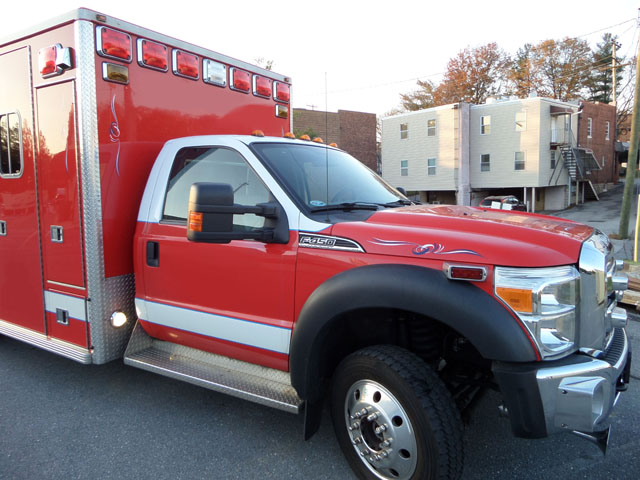 2011 Lifeline Ford F-450 4x4 Ambulance | Used Truck Details