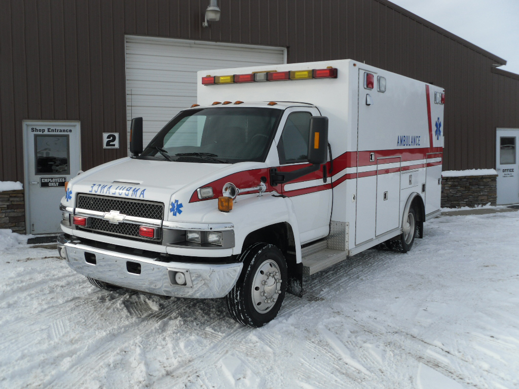 All Chevy chevy c4500 : 2004 Chevy C4500 Heavy Duty Osage Ambulance | Used Truck Details