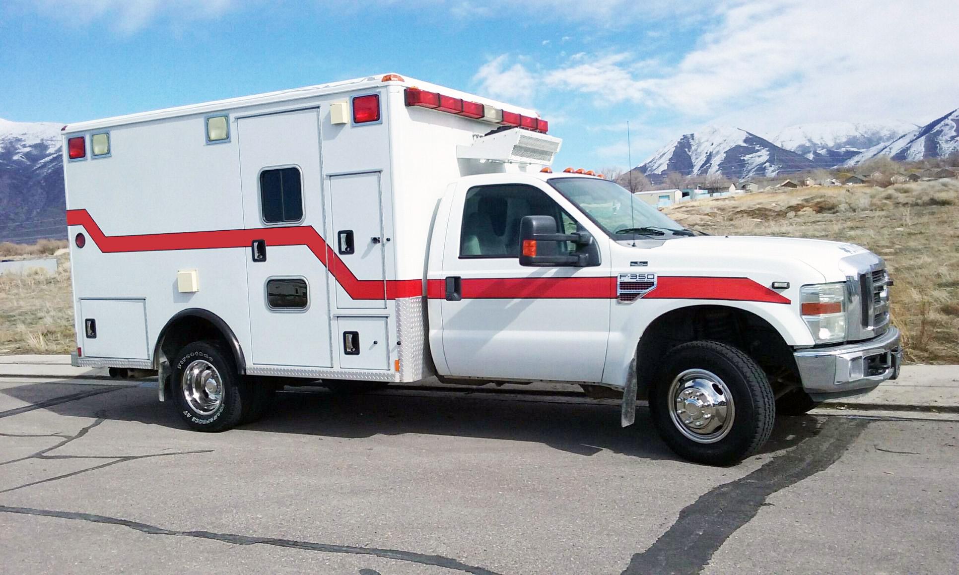Ylh2045ld Lhd Diesel 4x4 Icu Transit Medical Clinic