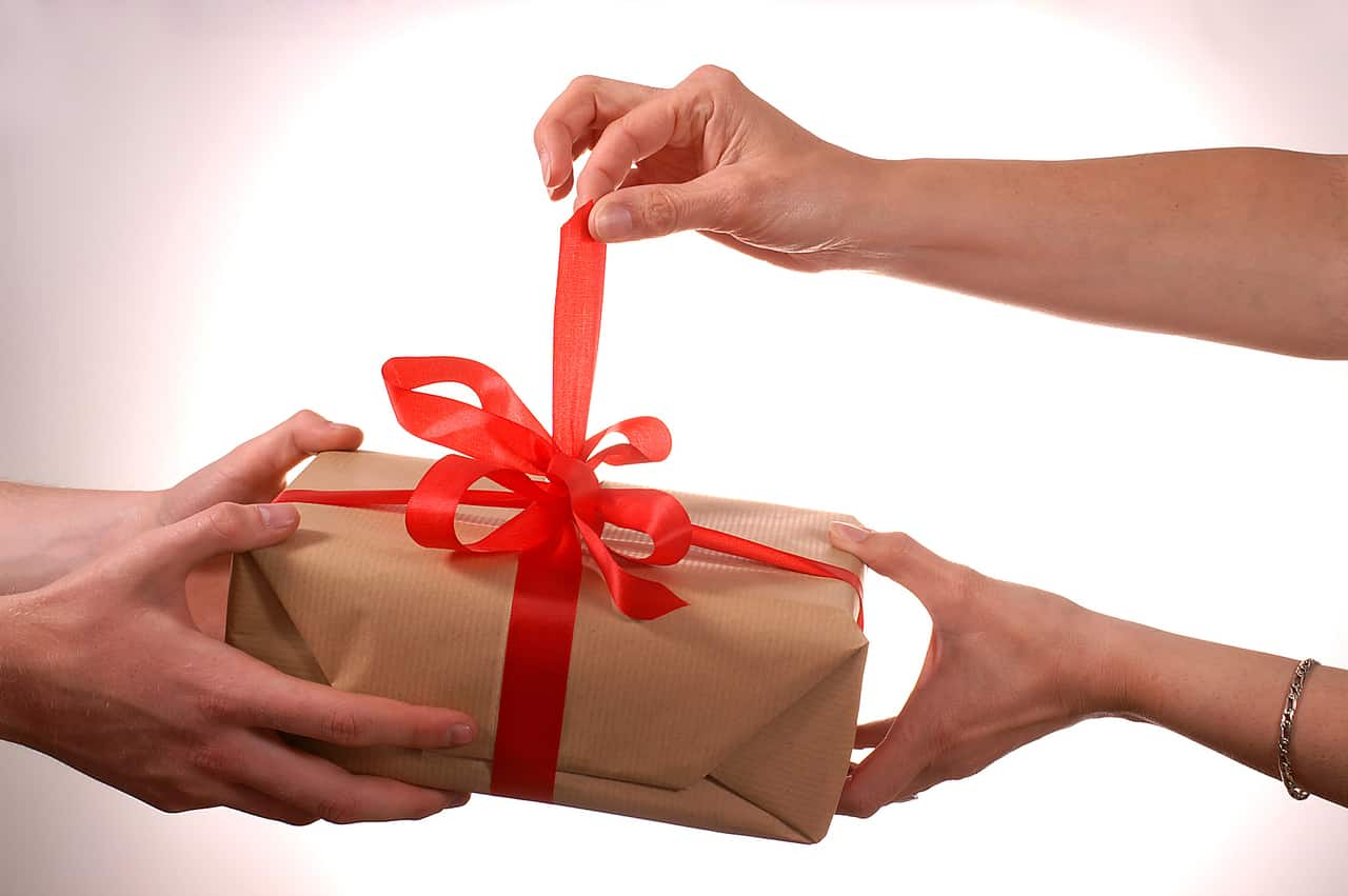 "People Are Giving ""Boomerang Gifts"" . . . Where They Give a Present That Benefits Them Too"