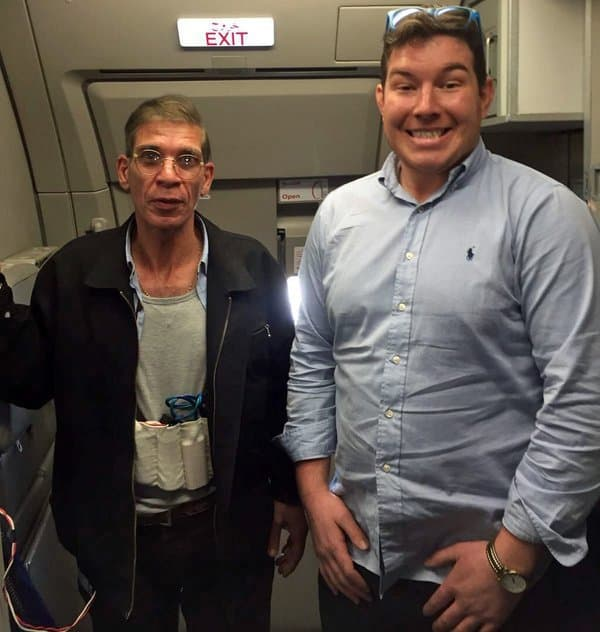 A Guy Just Took One of the Craziest Selfies Ever With the Man Hijacking His Plane
