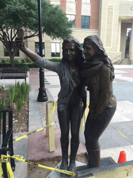A Texas City Put Up a Statue of Two Girls Taking a Selfie