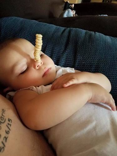 The New Trend Is Seeing How Many Cheerios You Can Stack on Your Baby