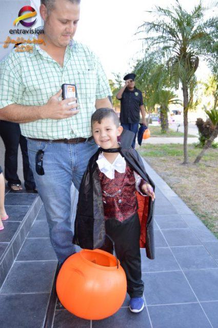 Our 'Celebracion de Halloween' was a huge success! Here's the photos
