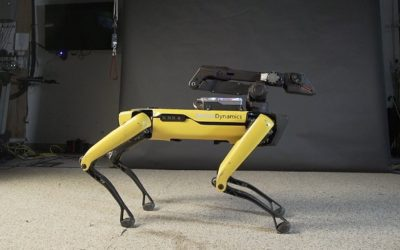 """Those Moves! Dancing Robot That Can Even Do the """"Running Man"""""""