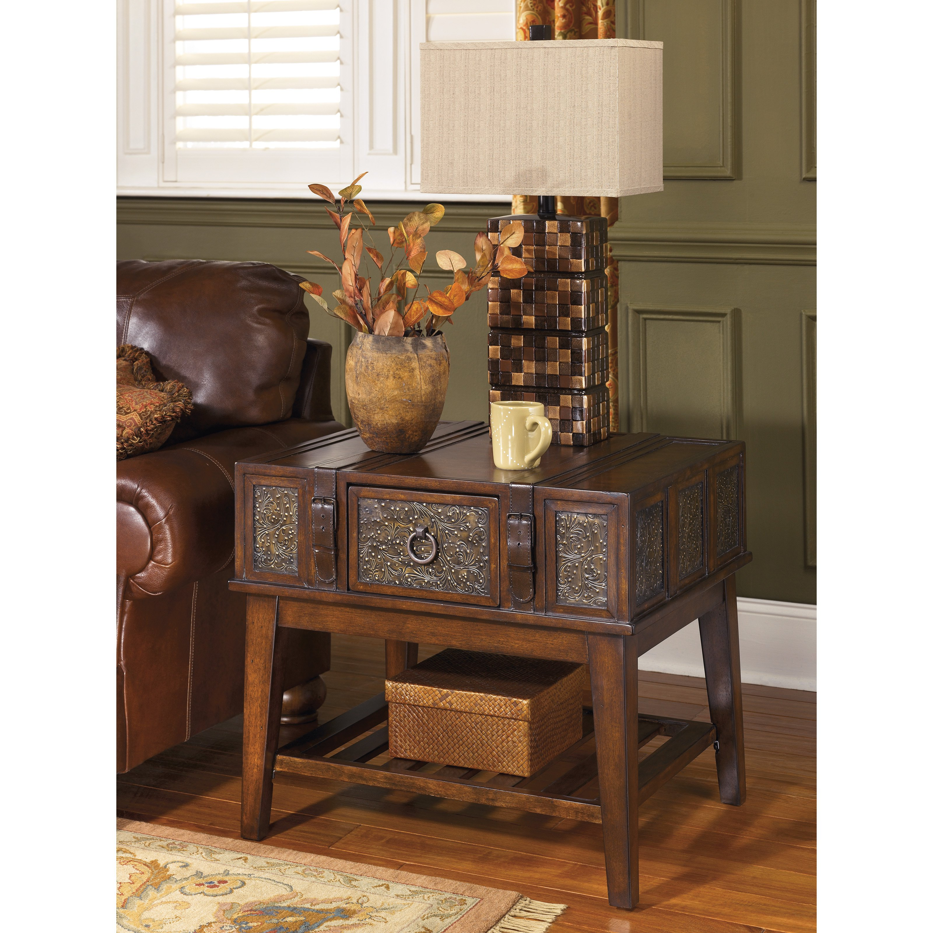Ashley Furniture Signature Design T7533 McKenna End Table