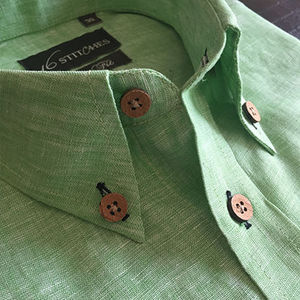 Green_linen_shirt_wooden_buttons_opt