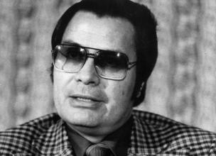 Jim Jones - The humanitarian who killed 900 people and poisoned 300 children