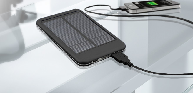 Power Up: 7200mAh Solar PowerBank Portable Battery w/ 5 Charging Tips for iPhone, Nokia, Samsung & More!