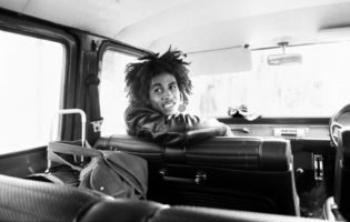 dennis-morris-featured-marley-babylon-buss