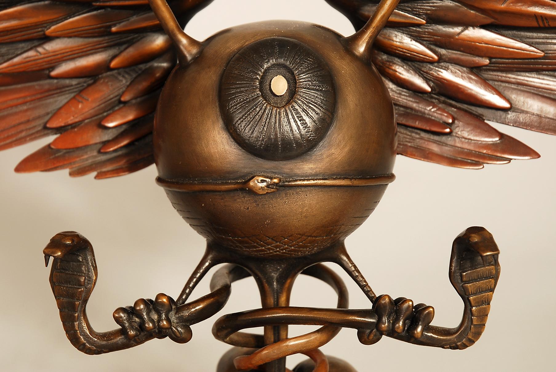 RG bronze eye