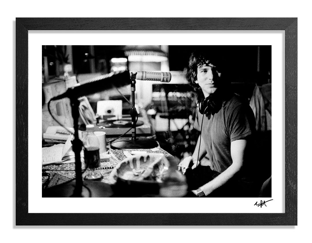 charles-peterson-eddie-vedder-monkeywrench-studios-01-show
