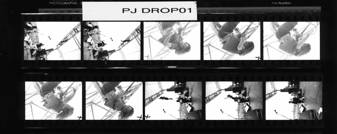 charles-peterson-pearl-jam-drop-proof-sheet-1