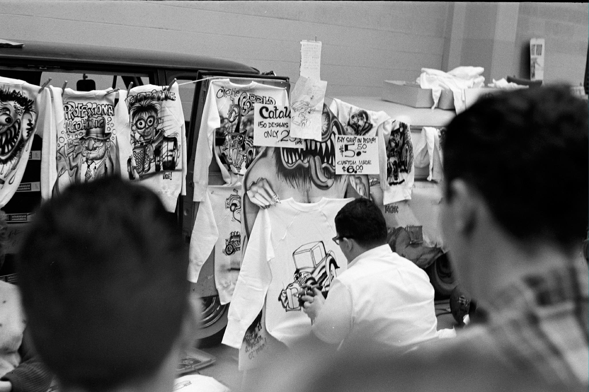 003-arch-1962-show-booth-artist-rear__16201-16_19620111_HRD-1