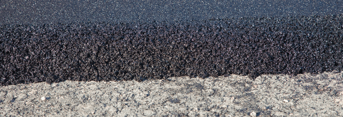 What thickness is best for an asphalt driveway?