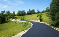 The width of a new asphalt driveway is important for a driveway that will last