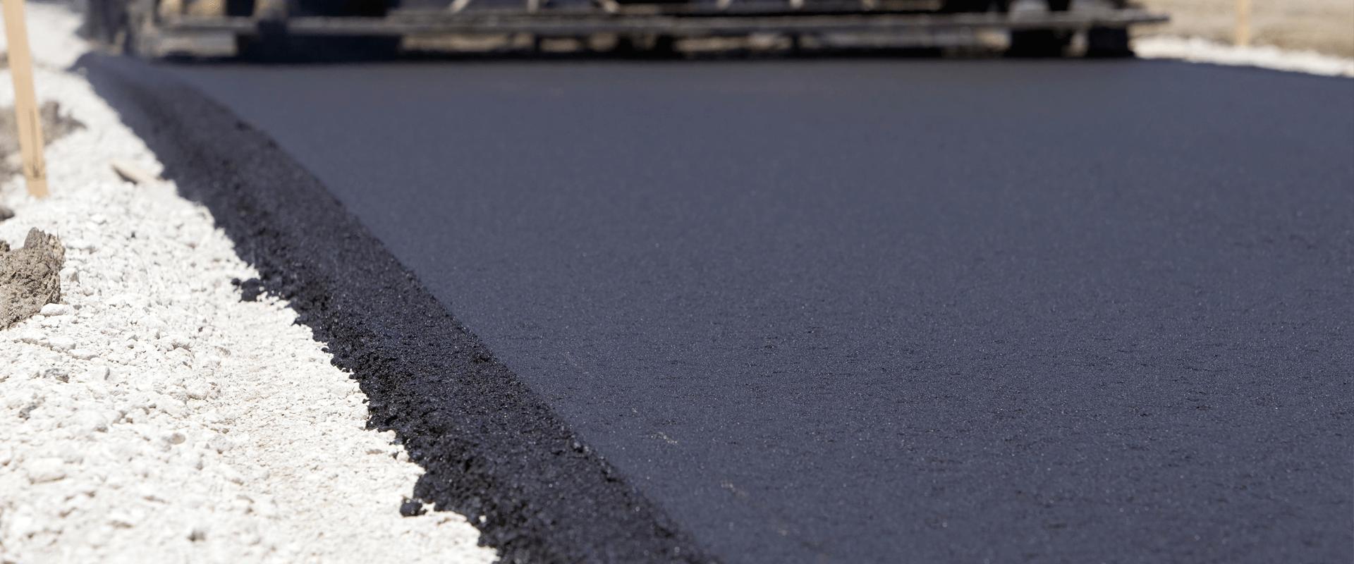 Asphalt driveway paving {{city_county}}