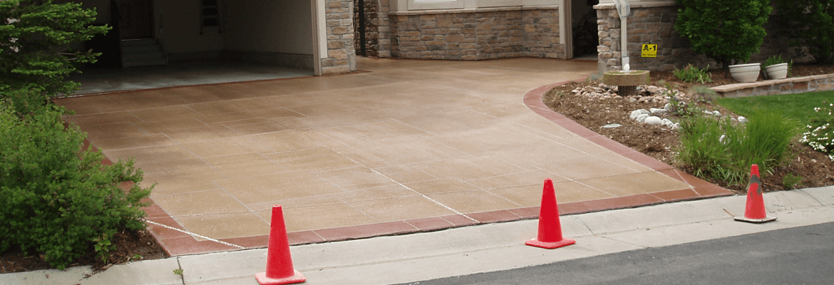 The cost to seal concrete a concrete driveway are calculated carefully