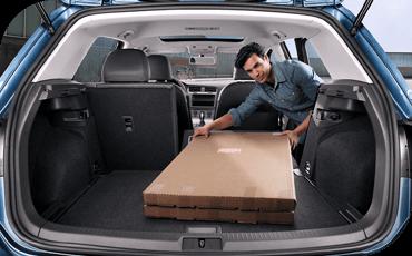 Compare new 2018 Volkswagen Golf vs Toyota Corolla iM Interior Styling