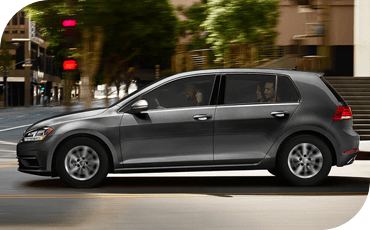 Compare new 2018 Volkswagen Golf vs Mazda3 Performance Information