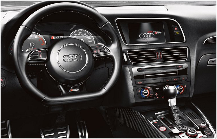 2017 Audi SQ5 model interior design