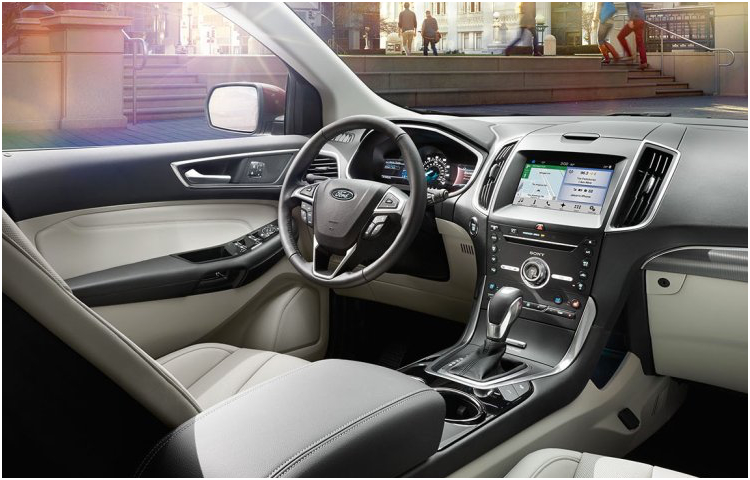2017 Ford Edge Model Interior Features