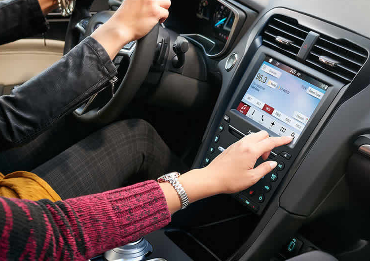 2017 Ford Fusion Hybrid model safety & technology