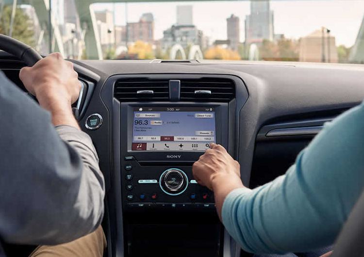 2017 Ford Fusion Model Tech and Safety Features