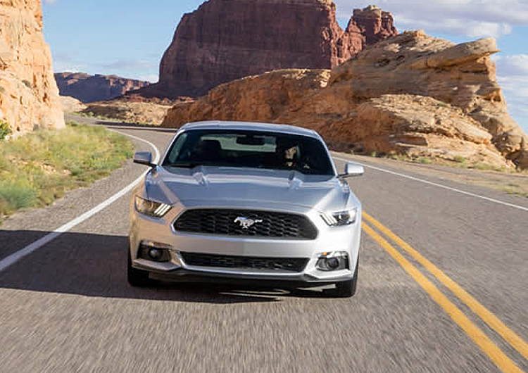 2017 Ford Mustang Model Design Features
