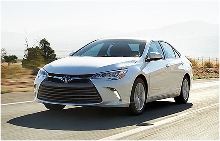 2017 Toyota Camry model exterior features