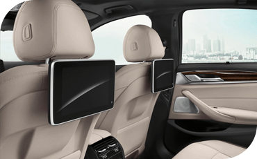 Available rear seat entertainment lets your backseat passengers enjoy the ride even more