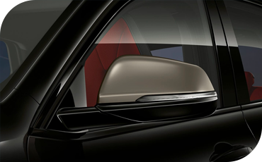 Stylish, integrated turn signals in the mirror housings add a splash of style and extra safety